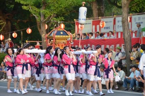 20110806ギャル神輿.jpg